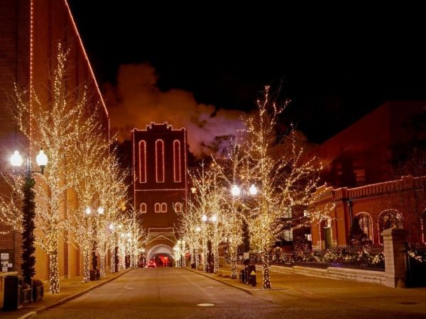 Visit Brewery Lights at Anheuser-Busch in St. Louis!